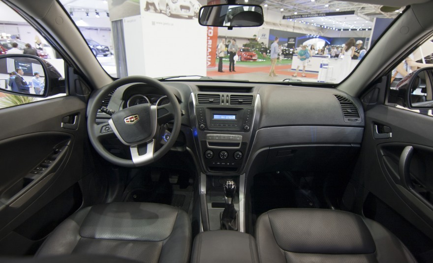 Geely Emgrand X7 2013 вид салона
